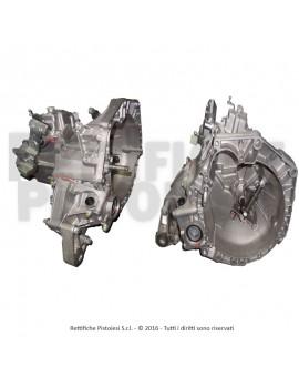 Lancia 1400 Generalüberholte 6-G Schaltgetriebe.